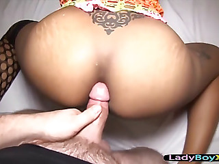 Thai ladyman with a ideal body acquires the bareback dick