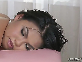 Great sex with the slutty oriental honey cindy starfall